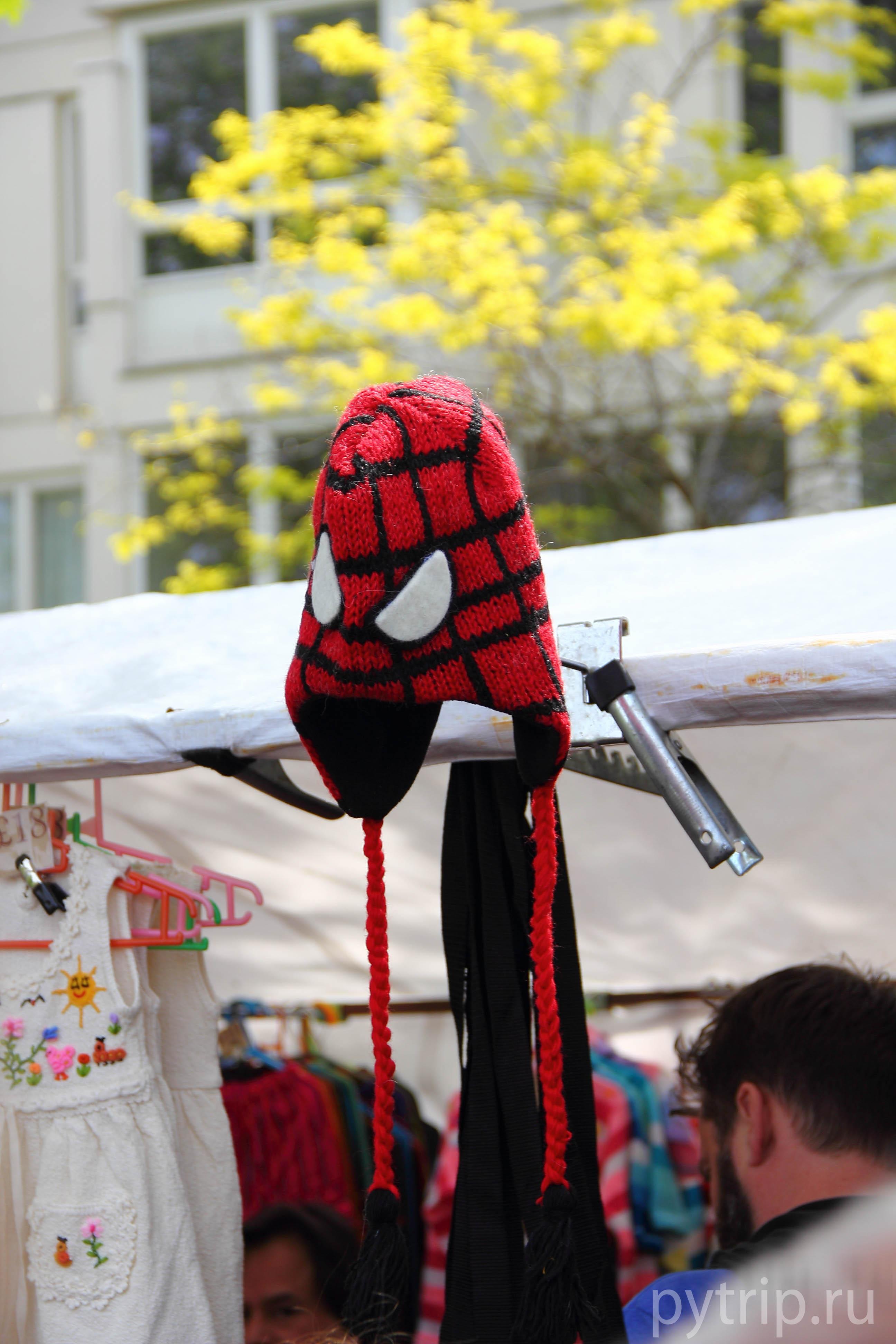 Можно купить шапочку человека-паука.