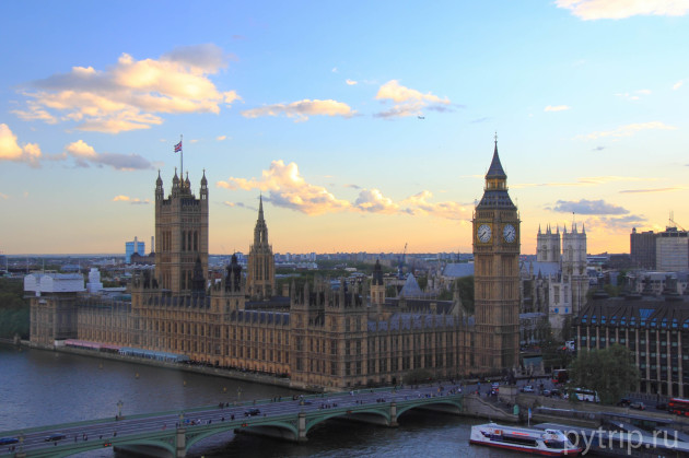 Вид из капсулы на Вестминстерский дворец