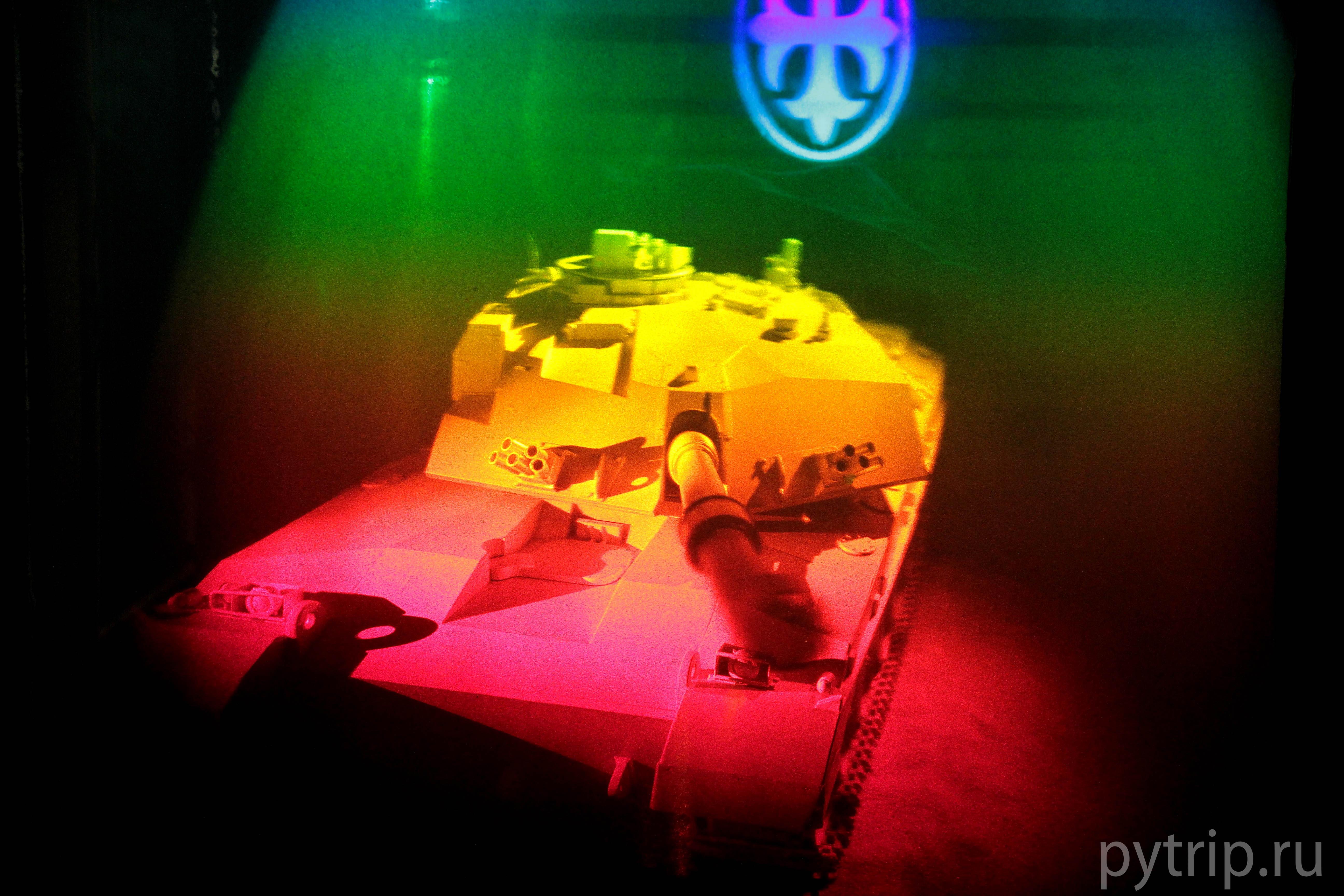 Почти настоящий танк.