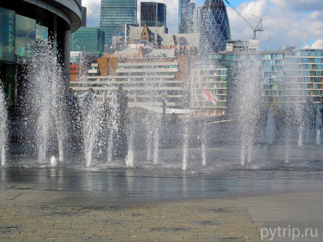 Полюбоваться фонтанами.