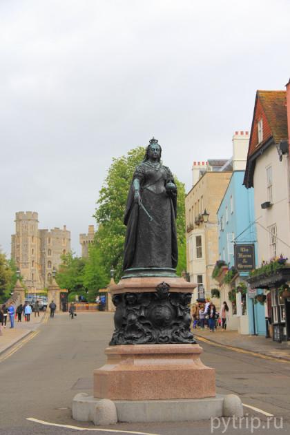 Статуя королеве Виктории