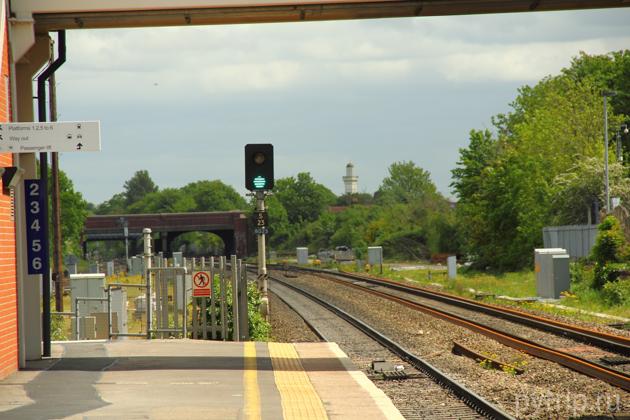 поезд на платформе Виндзор & Итон.