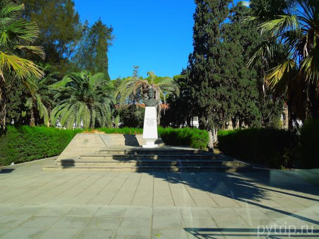 Ларнака, памятник фото