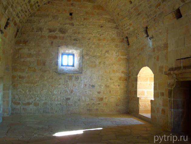 Кипр - замок Колосси