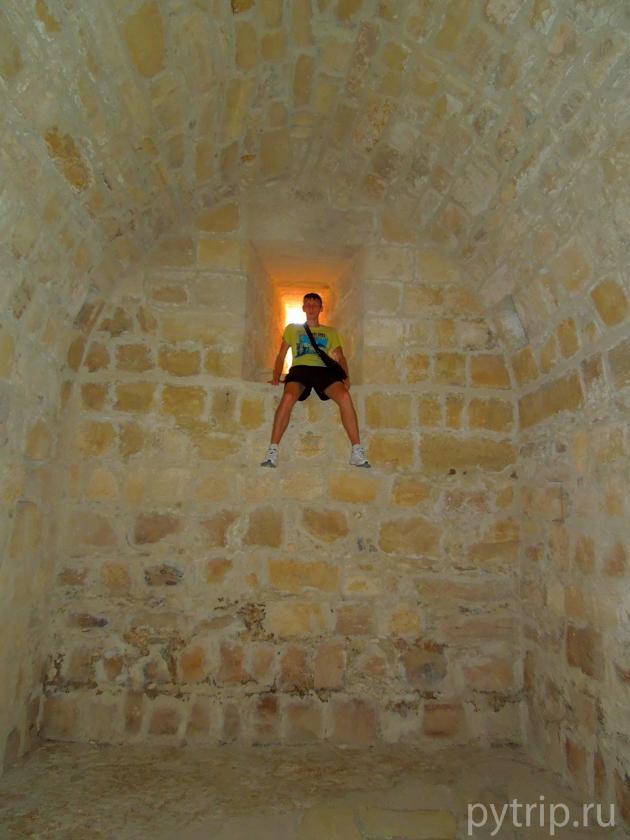 Замок Колосси изнутри