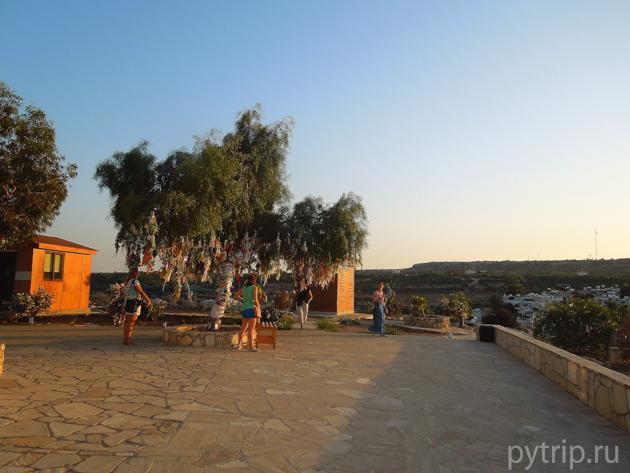 территория церкви Протарас