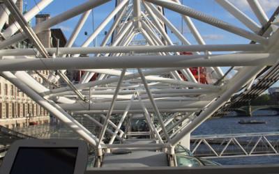 Взгляд на Лондон с London Eye (фото)