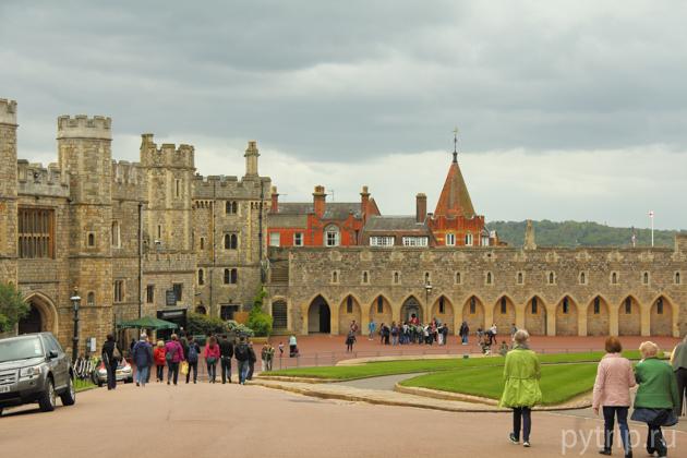 замок виндзор нижний двор