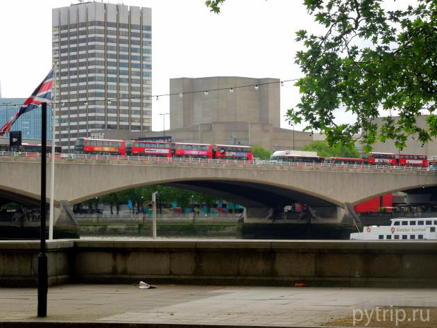 Красный london bus