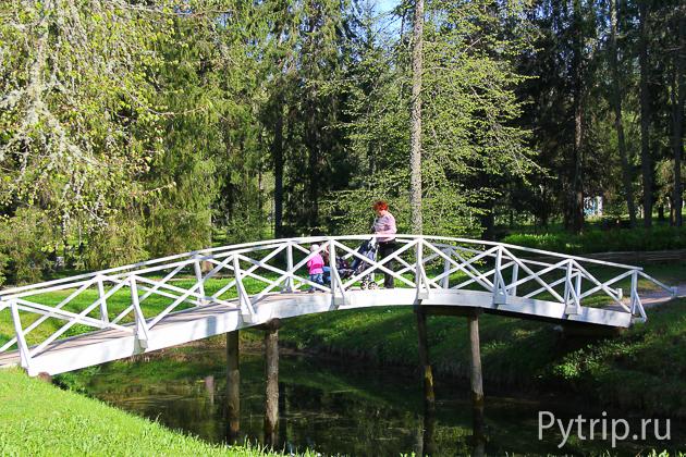 Горбатый мостик в селе Михайловское