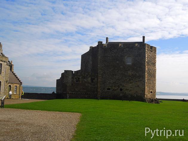 Полуразрушенная крепость Блэкнесс