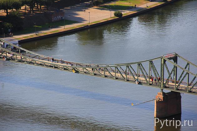 Мост во Франкфурте