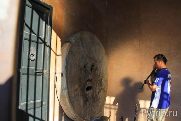 Маска Истины в Риме