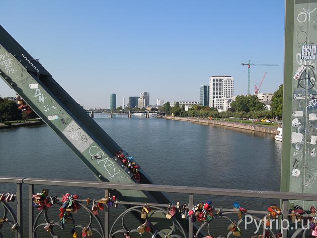 Пешеходный мост Франкфурта