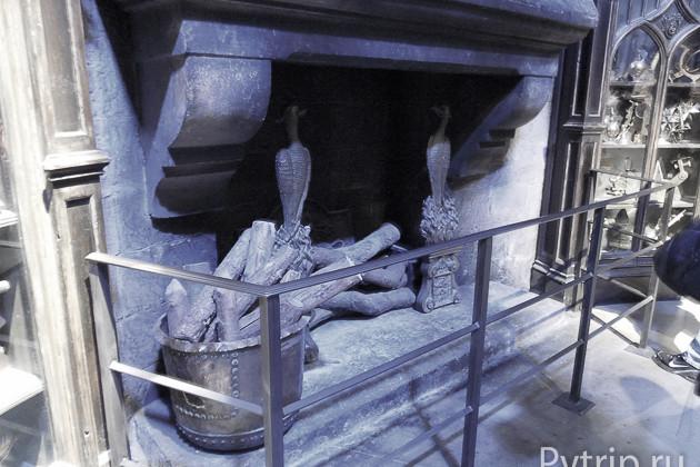 Камин в гостиной Гриффиндора