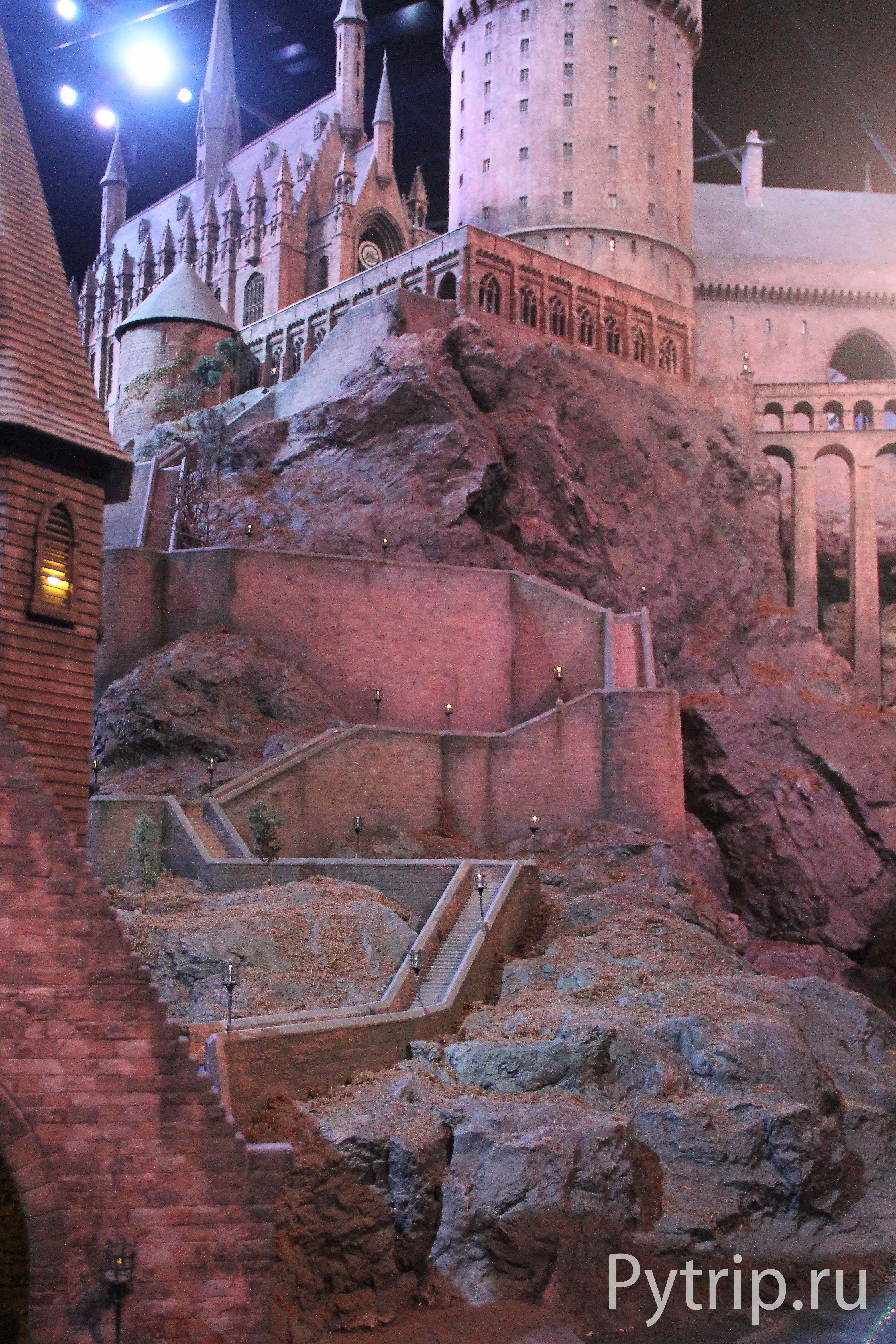 Замок Хогвартс в музее Гарри Поттера