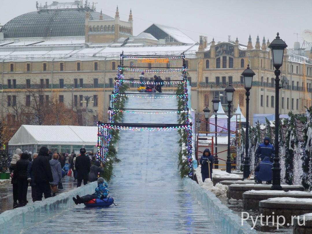 Новогодняя горка на Красной Площади