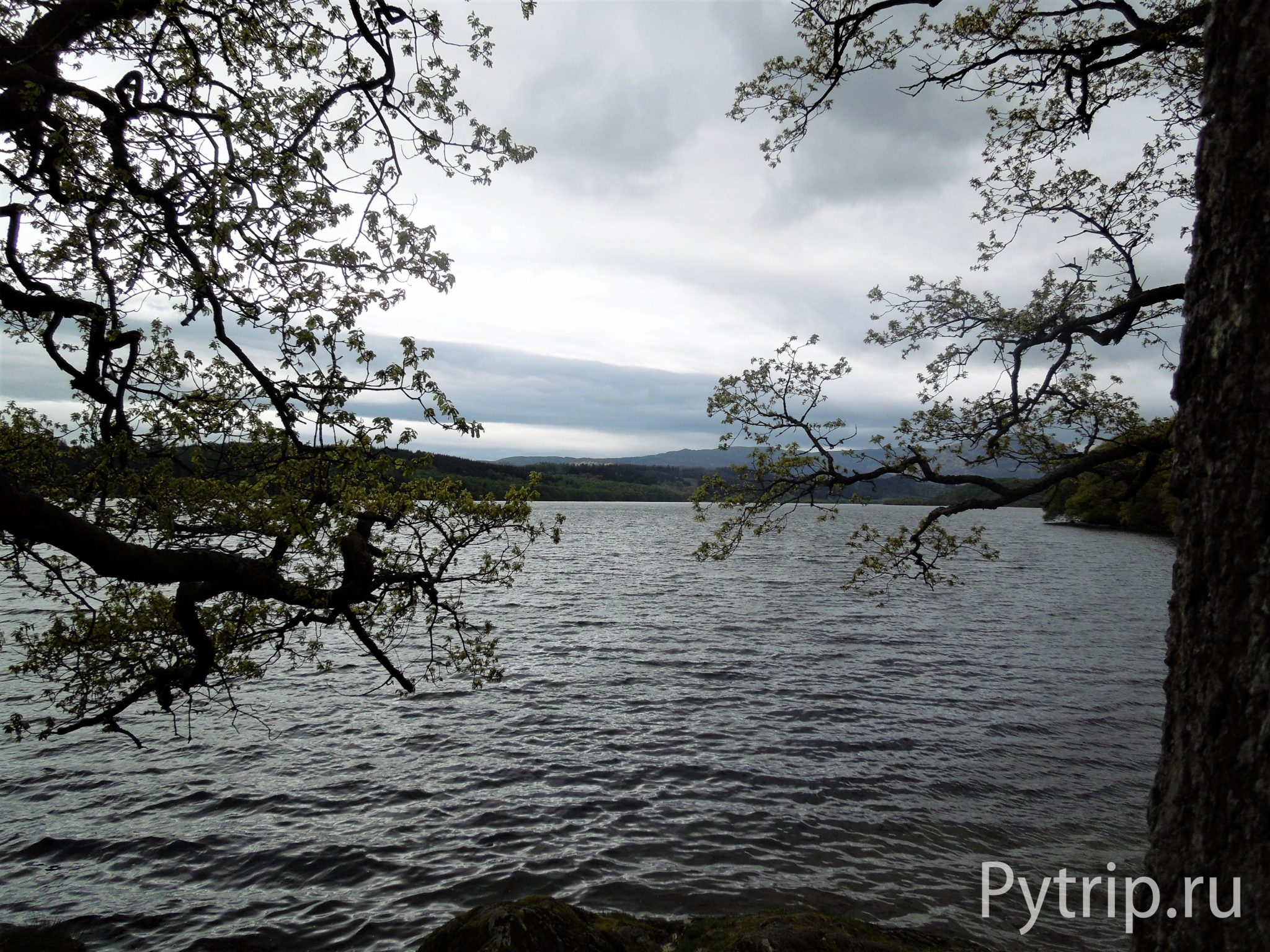 Озеро в Шотландии