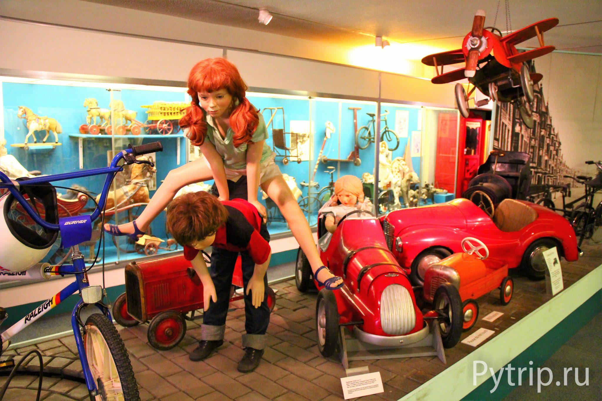 Экспозиция в музее детства в Эдинбурге