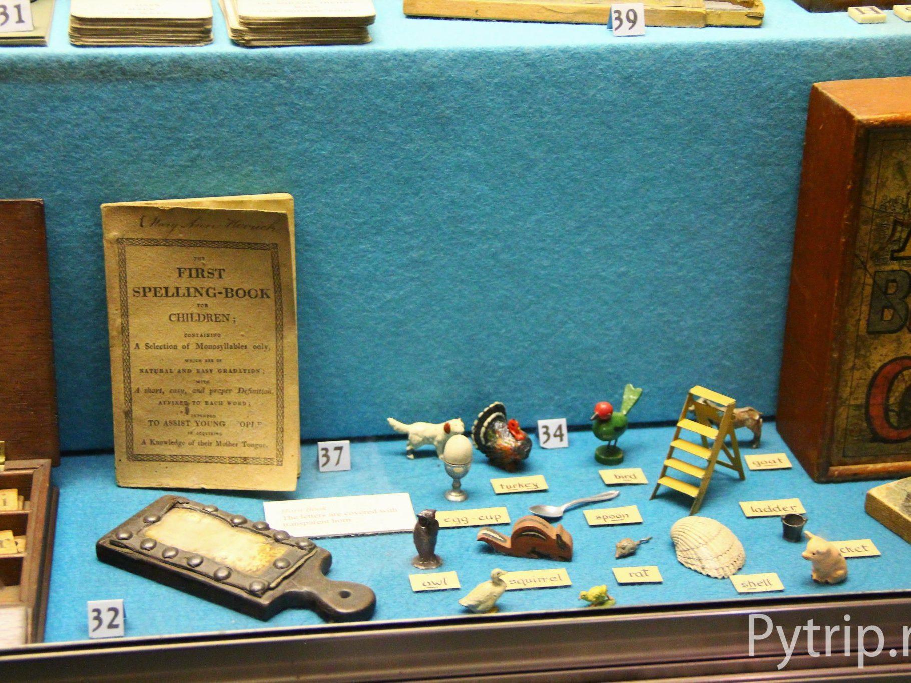 Игрушки в музее детства в Эдинбурге
